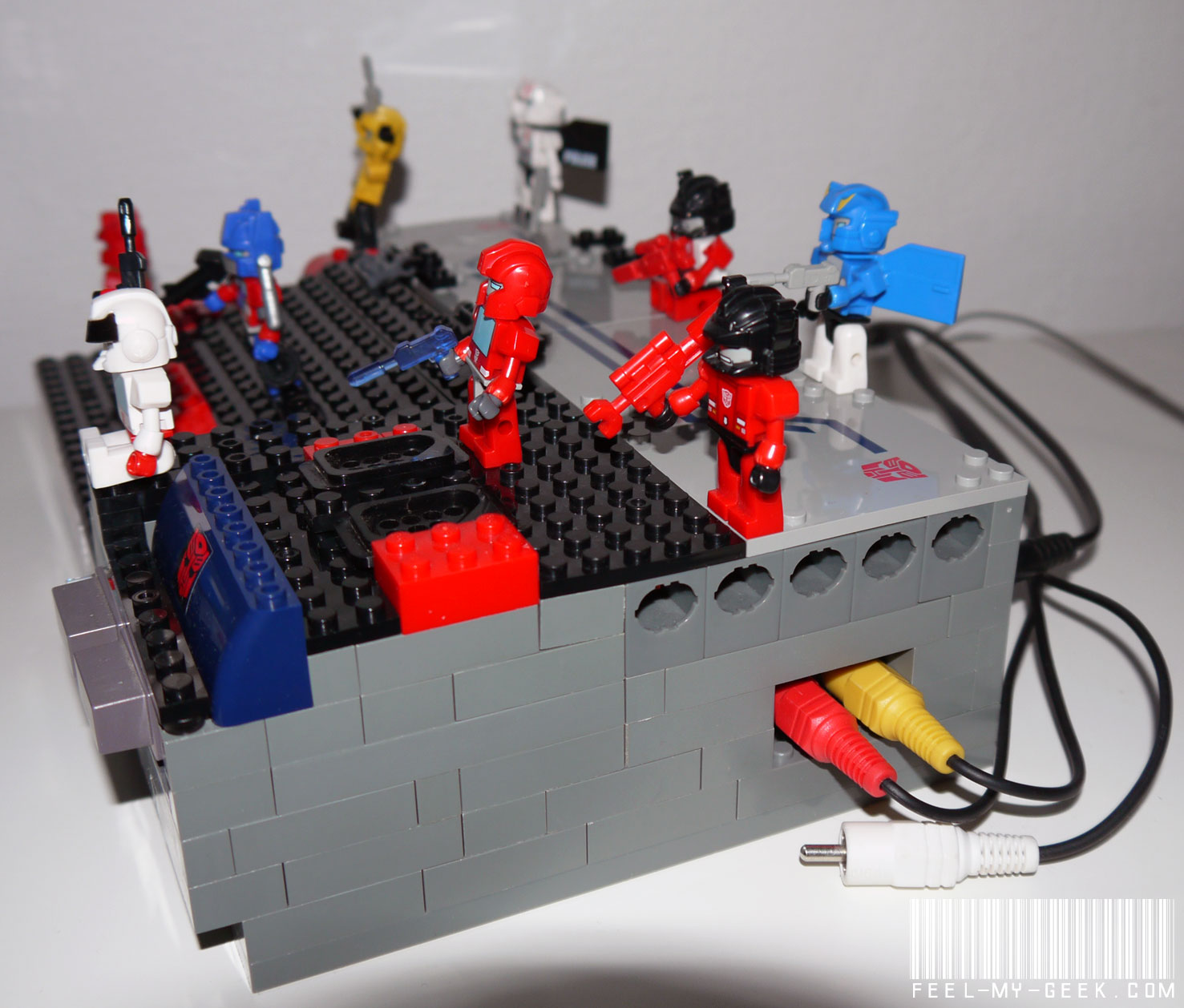 Custom NES Transformers en LEGO, 100% fonctionnelle ! P1010882