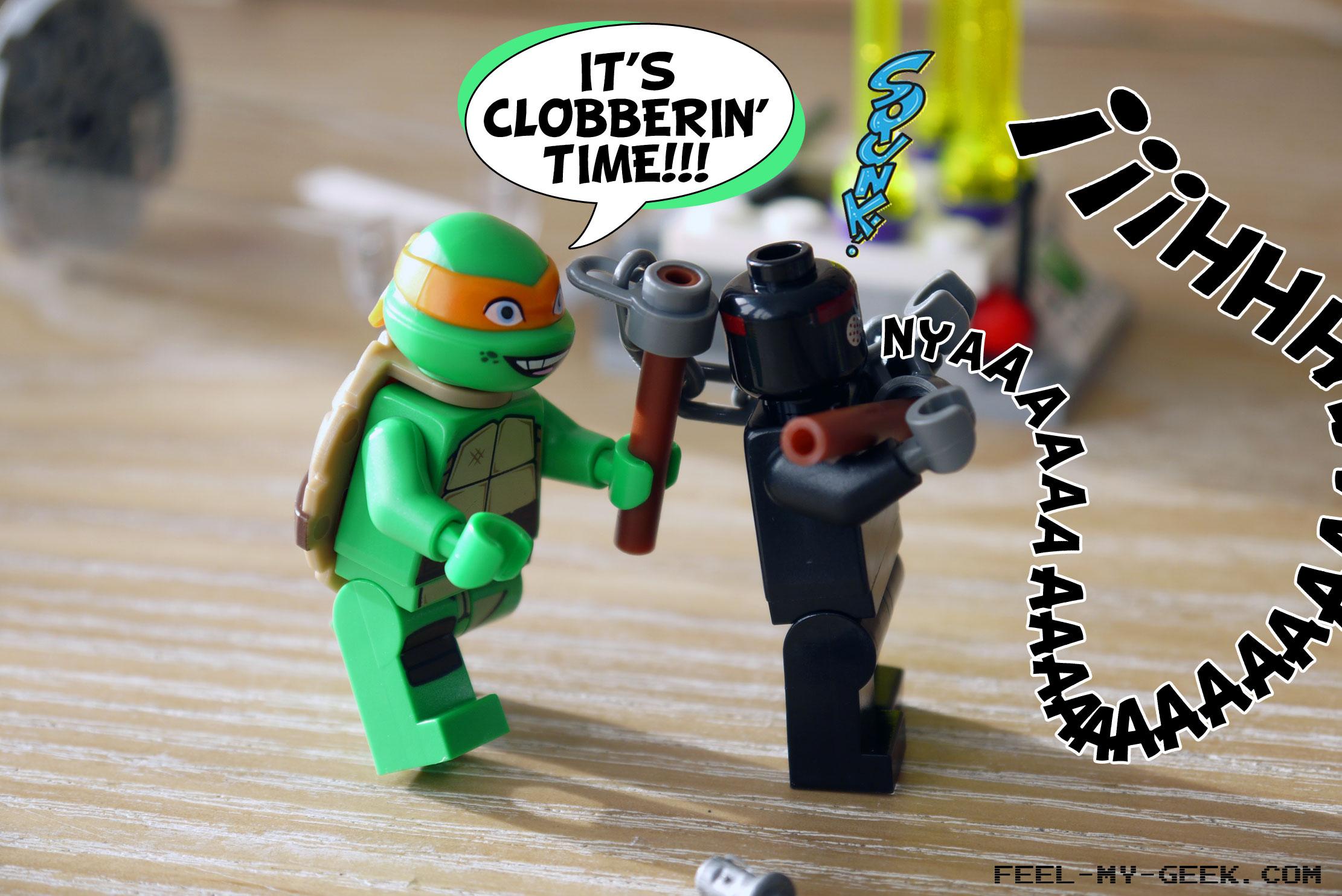 Enfin libre, Michelangelo décide de faire ce que tout bon samaritain devrait faire, et il punit le soldat du Foot pour sa bêtise profonde !